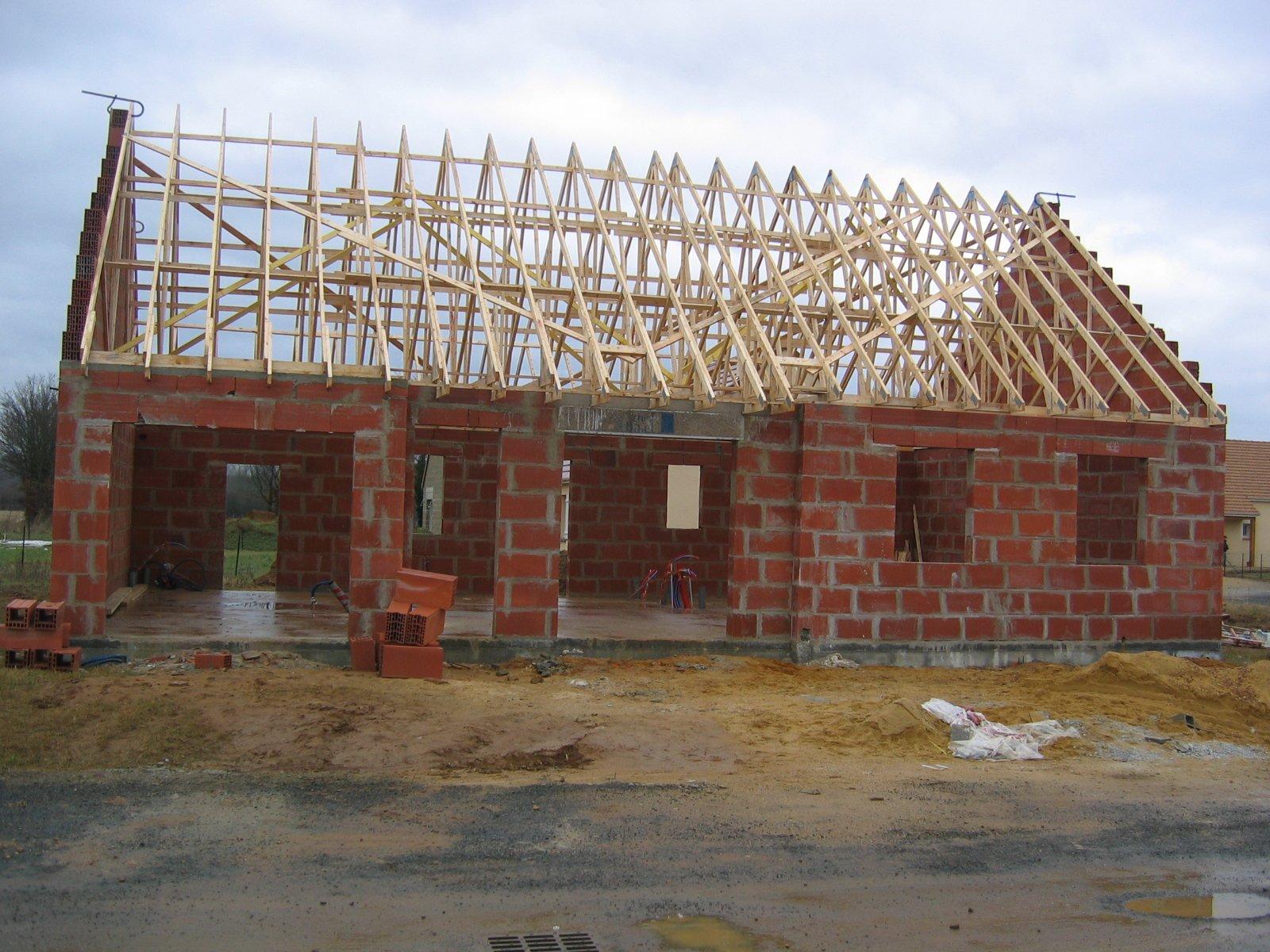 Charpente construire sa maison ce qu il faut savoir for Construire une maison ce qu il faut savoir